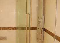 Bended glass shower cabin