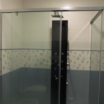 Sliding glass showers cabins